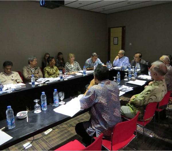 Suasana pada saat Rapat Board Yayasan Badak Indonesia